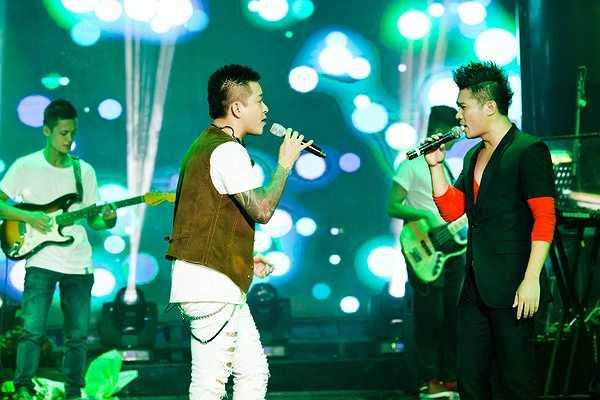 Lâm Vũ cho hay, đêm nhạc ngoài việc giới thiệu album DVD liveshow ra mắt còn là đêm nhạc để Vũ cùng anh em chung tay làm từ thiện mang trung thu yêu thương đến cho trẻ em nghèo bệnh tật ở bệnh viện K2 Hà Nội.