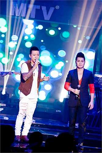 Với Lâm Vũ những khách mời không chỉ là đồng nghiệp mà còn là an hem có chung mục đích hát cho đam mê, hát cho khán giả và hát cho đời.
