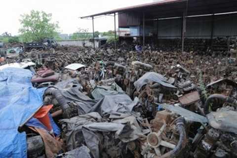 Bãi phụ tùng, linh kiện ô tô rộng mênh mông của gia đình ông Nguyễn Văn Phong nay đã có giá trị lên đến cả chục tỷ đồng.