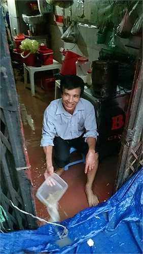 Nhiều nhà dân bị nước ngập vào tận trong nhà.