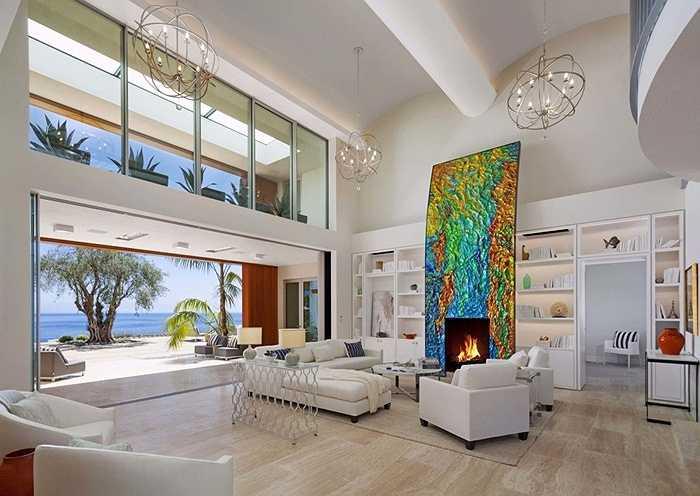 Điểm nhấn bên trong căn nhà là phong cách hiện đại, siêu tiện nghi, phục vụ tối đa nhu cầu của chủ nhân.