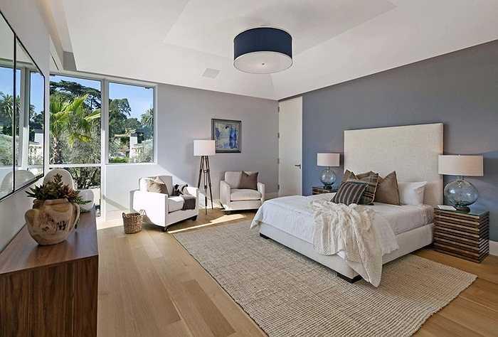Hệ thống cửa sổ lớn được thiết kế với tầm nhìn tuyệt đẹp ở tất cả các phòng..
