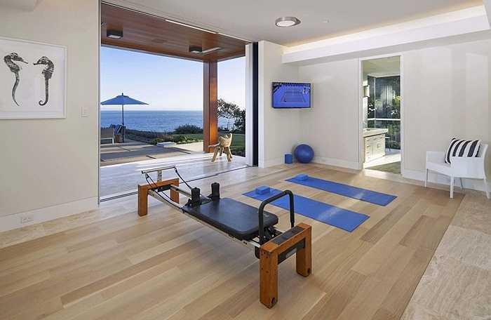 Một căn biệt thự thông minh thì không thể thiếu phòng tập gym..