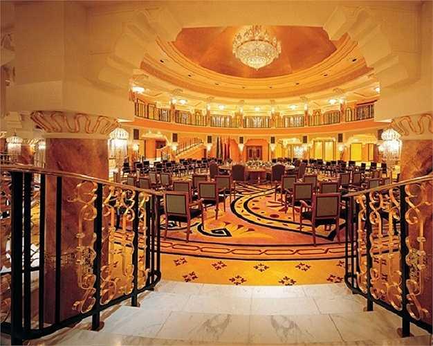 1.790 m2 nội thất của tòa nhà Burj Al Arab được bao phủ bởi vàng lá 24k