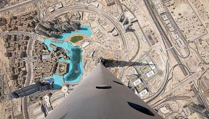 Tòa nhà Burj Khalifa cao đến mức cư dân từ các tầng thứ 150 và cao hơn nhìn thấy mặt trời lâu hơn những người khác sống trong cùng tòa nhà