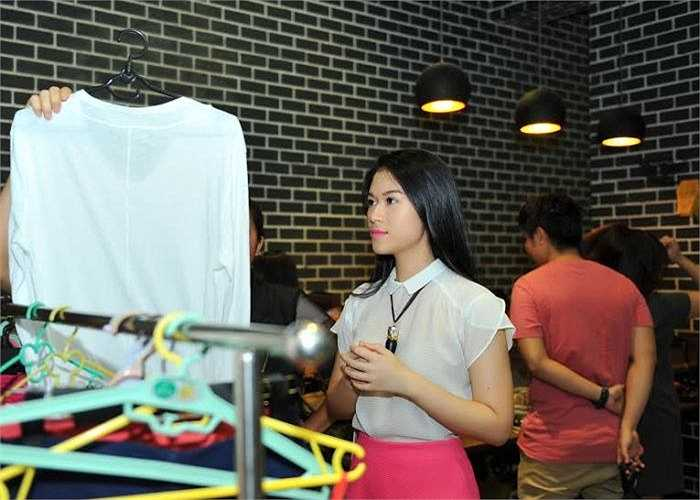 Trong bộ sưu tập Ngọc Thanh Tâm quyết định bày bán lần này, có rất nhiều món quà kỉ niệm mà cô được người thân dành tặng trong đợt sinh nhật vừa qua.