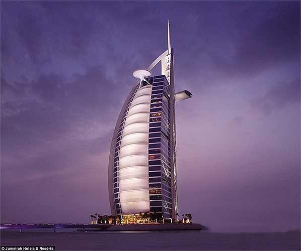 Khách sạn Burj Al Arab sở hữu một bãi đáp trực thăng ở trên nóc