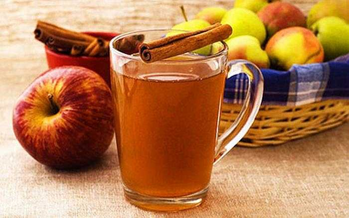Trà táo và quế: Các nghiên cứu đã chỉ ra rằng quế có tác dụng giảm cholesterol và có tác động tích cực đối với phụ nữ bị hội chứng buồng trứng đa nang. Vitamin B6 có trong táo tăng lượng oxy trong máu và tăng cường hệ thống miễn dịch.