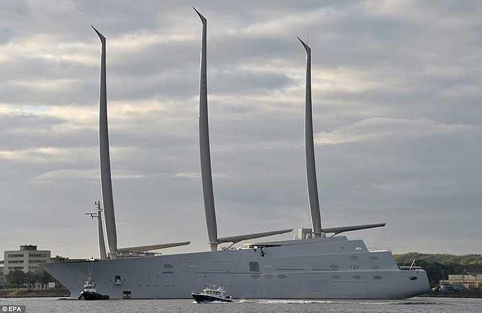 Siêu du thuyền được sản xuất tại thành phố Hamburg, Đức và là du thuyền lớn nhất thế giới với chiều cao 100 mét.
