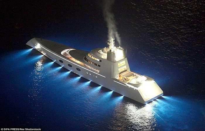 Motor Yacht A, phiên bản du thuyền cũ của tỷ phú Andrey trị giá 190 triệu bảng Anh (hơn 200 triệu USD).