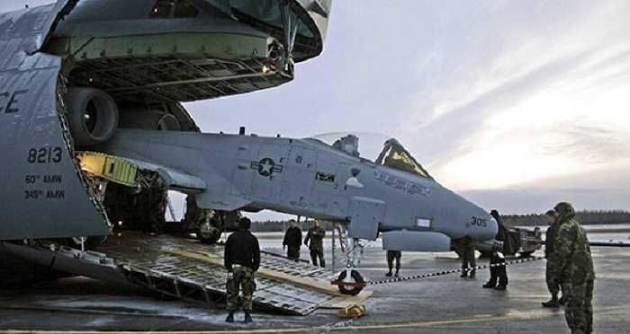 Hoặc thậm chí là một máy bay tấn công 'Thần sấm' A-10 với điều kiện phải tháo rời phần đuôi và cánh