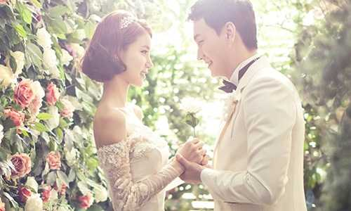 Cuối cùng, Trần cũng lấy được Trang sau 8 năm yêu nàng bằng tình yêu mù quáng. (Ảnh minh họa).