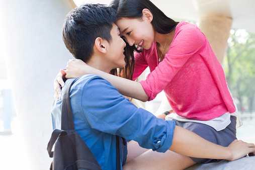 Kết hôn đã lâu nhưng Trang vẫn tiếp tục ngoại tình hết người này đến người khác. (Ảnh minh họa).