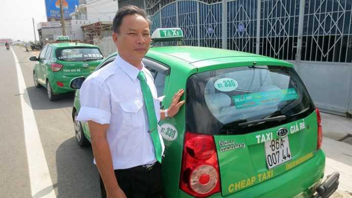Bà đỡ Vĩnh và chiếc taxi kiêm phòng sinh
