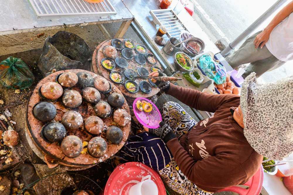 Món ngon địa phương được chế biến từ hải sản tươi sống