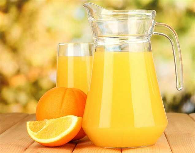 Nước trái cây: tốt nhất nên chế biến nước trái cây tại nhà, để không uống phải trái cây chứa đường và calo. Nước cam là tốt nhất cho trái tim của bạn vì nó có chứa lượng lớn vitamin C.