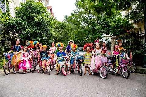 Nhóm Smart kids tham dự cuộc thi Eco parade online