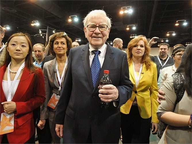 Ông rất thích uống Coca Cola và thường xuyên sử dụng loại nước này. Điều này được cho là không mang tới nhiều lợi ích cho sức khỏe người già