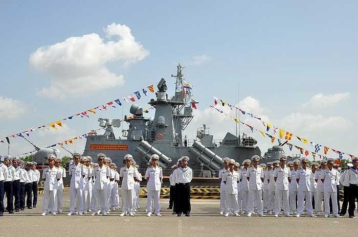 Lễ thượng cờ hai chiếc tàu hai chiếc tàu HQ379 và HQ380 đã diễn ra long trọng sáng nay (24/9).
