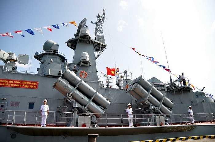 Lữ đoàn 167 là đơn vị chiến đấu chủ công của Vùng 2 Hải quân được biên chế các tàu Tên lửa 1241.8 và tàu Pháo TT400TP có sức chiến đấu cao với trang bị vũ khí hiện đại, đồng bộ...