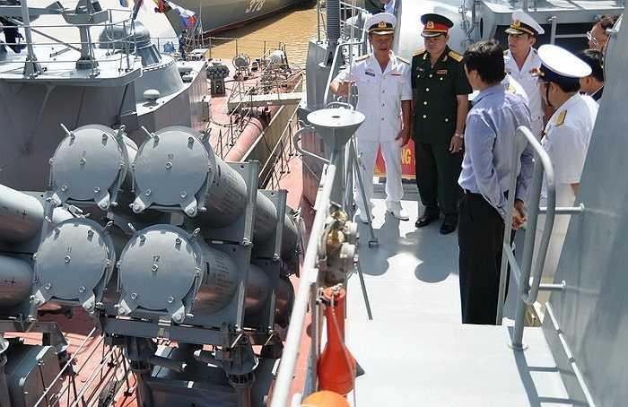 Đây là hai chiếc tàu thứ ba và thứ tư trong số 6 tàu tên lửa tấn công nhanh lớp Molniya (Tia chớp) - phiên bản Nga, được Việt Nam ký hợp đồng với Liên bang Nga chuyển giao công nghệ, mua trang thiết bị cơ bản và tự đóng tại Tổng công ty Ba Son (Tổng cục Công nghiệp Quốc phòng Việt Nam).