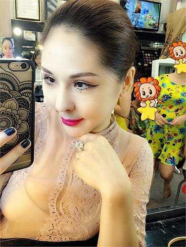 Tina Lê là người giúp Lưu Hương Giang trở nên nóng bỏng hơn trong MV mới ra mắt