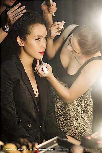 Sau 4 năm làm việc, có thể nói rằng sự thay đổi và xinh đẹp của ca sỹ Lưu Hương Giang như ngày hôm nay ngoài công của stylist, sự cố gắng chăm chút hình ảnh của nữ ca sỹ còn có một phần không nhỏ công sức của bàn tay phù thủy Tina Lê.