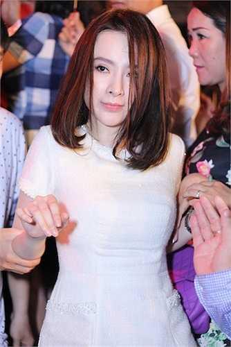 Angela Phương Trinh thực sự đang lấy lại được nhiều cảm tình trong mắt khán giả lần này.  (Trung Ngạn)