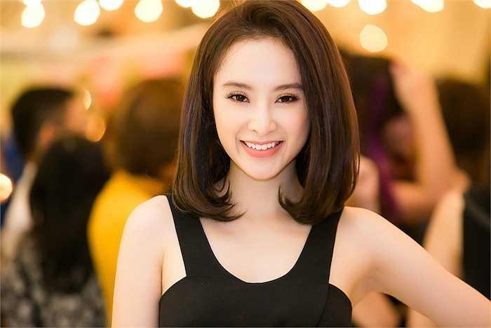 Vào tháng 10 tới, cô trở lại phim trường để tham gia 2 dự án điện ảnh lớn.