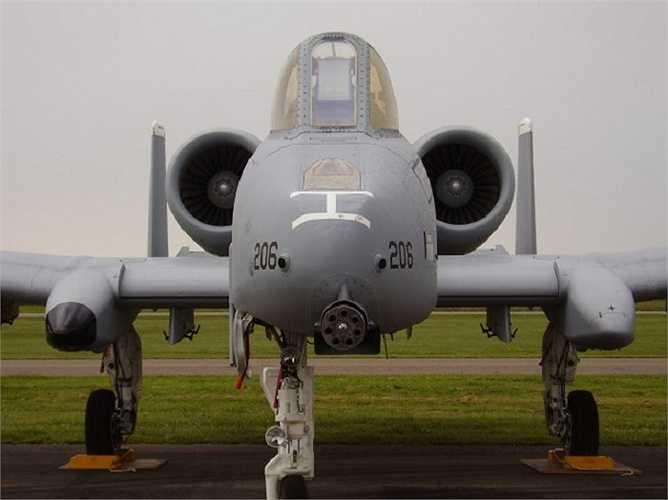 Loại chiến đấu cơ này có càng cực khoẻ, lốp chịu được áp suất thấp, cánh lớn cho phép máy bay cất cánh thậm chí cả khi chở khối lượng hàng nặng ở địa hình không thuận lợi