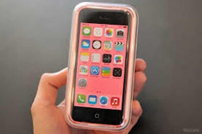 iPhone 5C. Cơn sốt iPhone 5C giá rẻ từng khiến nhiều người không thể 'cưỡng' lại và phiên bản được chú ý nhiều nhất là iPhone 5C màu hồng.