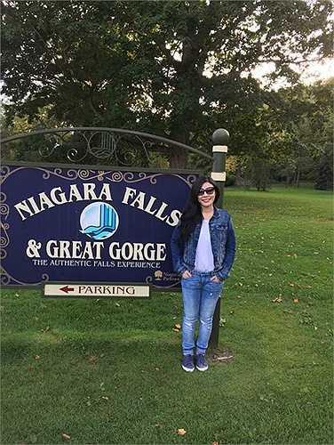 Nữ ca sĩ Uyên Trang tự thưởng cho mình chuyến lưu diễn kết hợp nghỉ dưỡng tại Canada.