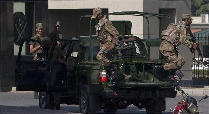 Năm 2009, SSG lập được chiến công lớn khi giải cứu thành công 39 con tin bị những chiến binh được coi là thuộc Taliban bắt giữ