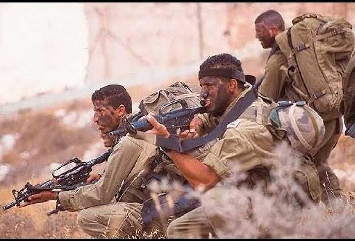 5. Sayeret Matkal (SM), Israel. Các chiến binh của SM rất tinh nhuệ, họ có thể chiến đấu tốt và hoạt động tình báo rất giỏi