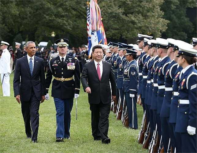 Tổng thống Mỹ Obama và Chủ tịch Trung Quốc Tập Cận Bình duyệt đội danh dự