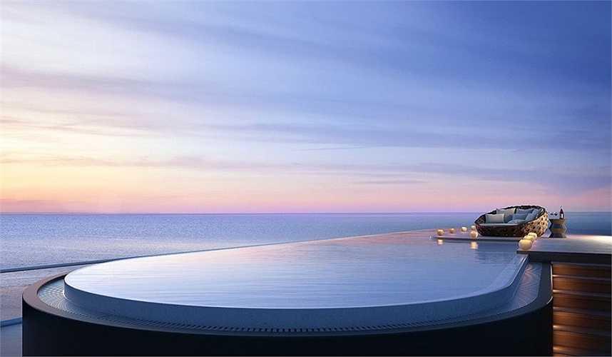 Bể bơi vô cực trên nóc biệt thự là nơi du khách có thể thư giãn ngâm mình dưới nước và ngắm đại dương bao la.