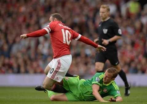 Sự phối hợp giữa Rooney và Martial chưa thật sự tốt