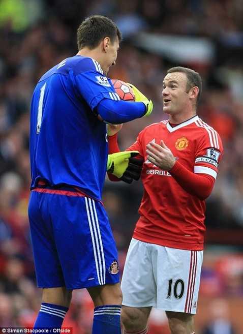 Rooney tiếp tục là chủ công của MU trận này