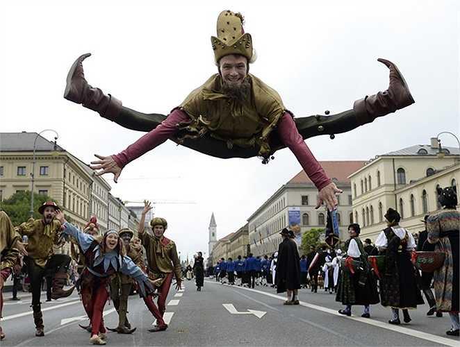 Những màn biểu diễn truyền thống