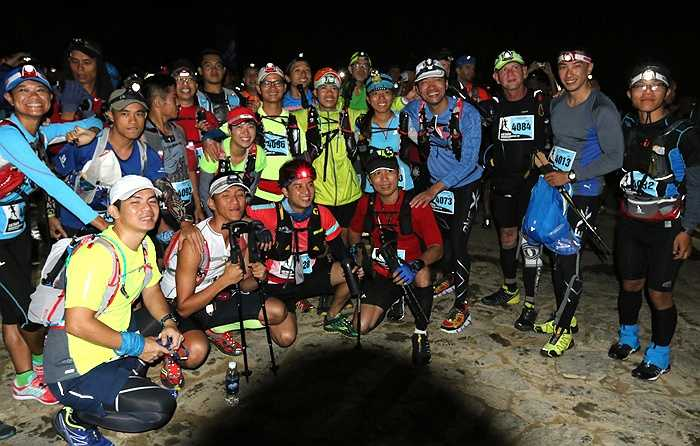 4h sáng, chặng đua 70km bắt đầu từ Topas Ecolodge. (Ảnh: Quang Minh)