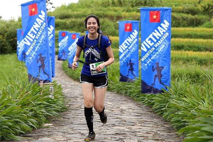 Hà My, cô gái Việt Nam thi đấu ấn tượng ở cự ly 21km. (Ảnh: Quang Minh)