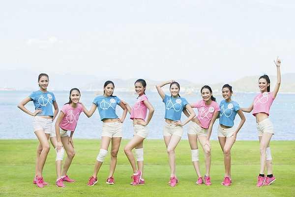Địa điểm sân Golf thoáng đãng bên cạnh biển xanh của vịnh Nha Trang góp phần giúp cuộc chơi diễn ra thêm phần thú vị.