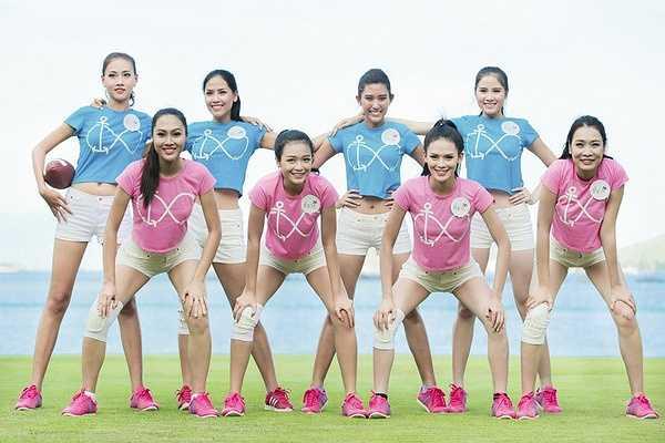 Bóng bầu dục là một chưa phổ biến tại Việt Nam, nên các cô gái ban đầu không khỏi bỡ ngỡ.