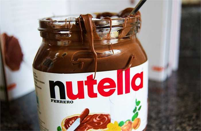 Đặc sản  Nutella – mứt kem hạt dẻ của châu Âu được tạo ra trong Thế chiến II. Người tạo ra nó là một thợ làm bánh người Italia, tên là Pietro Ferrero