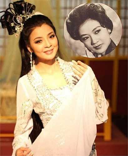 Vẻ đẹp đằm thắm, sắc sảo của Hồng Loan được nhiều người ví cô như hậu duệ xuất sắc của cố Nghệ sỹ Ưu tú Thanh Nga. (Nguồn: Dân Việt)
