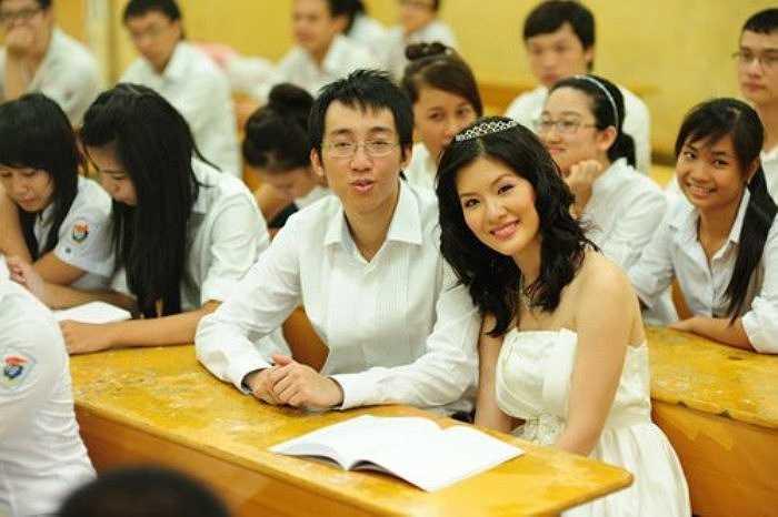 Huyền Trang sinh năm 1986 và kết hôn từ năm 2010. Tuy nhiên, đám cưới không được nhiều người biết tới vì gia đình danh hài Chí Trung không muốn ồn ào.