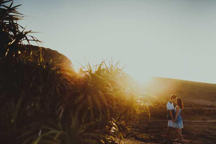 Vẻ hoang sơ của đảo Lý Sơn khiến nhiều đôi bạn trẻ thích thú
