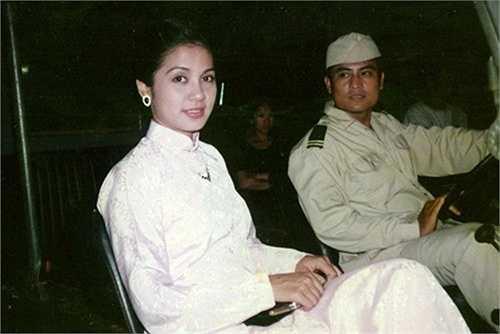 Việt Trinh thành côngvới nhiềuphim điện ảnh nhưng đỉnh cao thành công và tên tuổi của Việt côlại gắn liền với một bộ phim truyền hình: Người đẹp Tây Đô (1996). Sau khi phim phát sóng, khán giả cũng gọi chị bằng cái tên thân mật'người đẹp Tây Đô' hoặc 'Bạch Cúc' (tên nhân vật của chị trong phim).