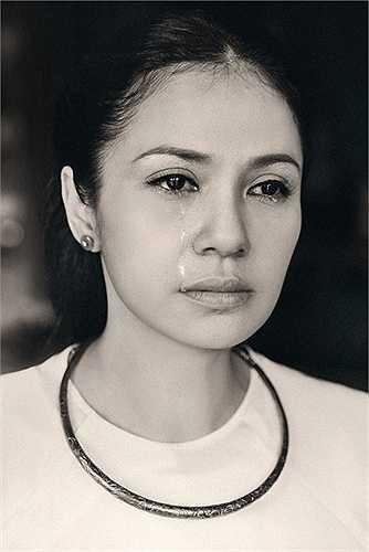 Tháng 7 vừa qua, Việt Trinh cũng đã thực hiện bộ ảnh tái hiện lại nhân vật Bạch Cúc để kỷ niệm 20 năm Người đẹp Tây Đô ra mắt khán giả. Bộ ảnh đã gây xúc động cho những khán giả yêu mến Việt Trinh cũng như bộ phim này.