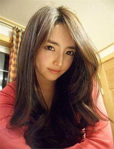 Sau khi tốt nghiệp trường Sư phạm, Lee Na Young tham gia các hoạt động nghệ thuật, xuất hiện trên một số chương trình truyền hình. Cô từng lọt qua vòng sơ tuyển trong cuộc thi Hoa hậu Hàn Quốc. Ảnh: Koreaboo